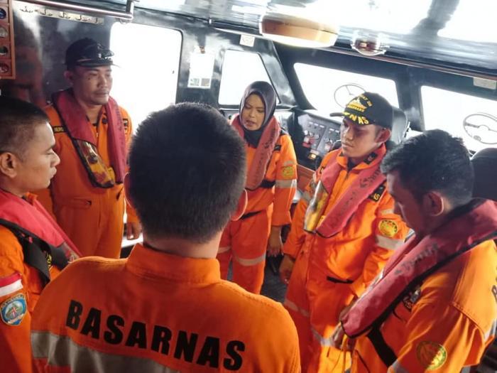 Basarnas Pekanbaru Kerahkan Kapal Cepat Untuk Mencari Korban Kapal Karam di Perairan Rupat