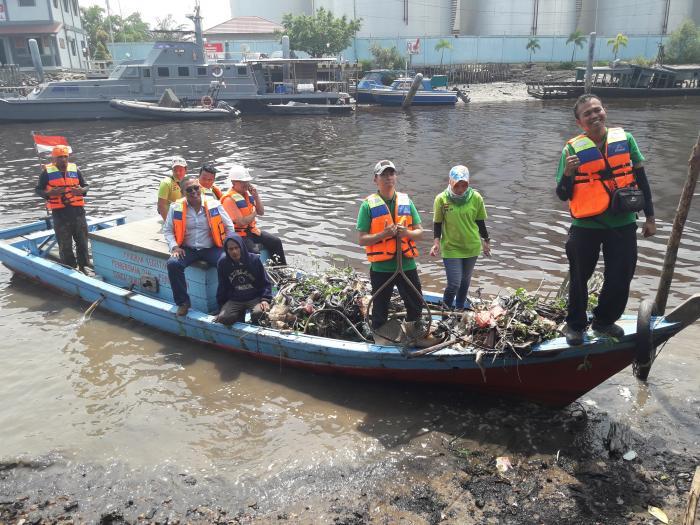 Aksi Pertama, PT Nagamas Gandeng PAB Bersih Sampah Sungai Dumai