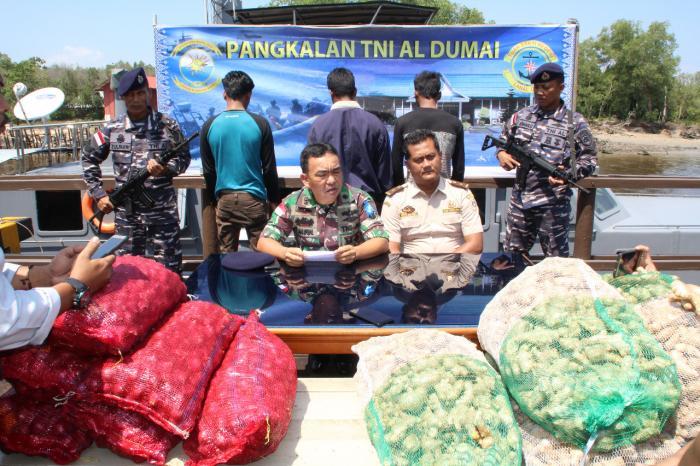 Penyeludupan Bawang Merah Digagalkan Lanal Dumai