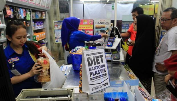 Indonesia Bebas Sampah, Wawako Dumai Dukung Program Plastik Berbayar