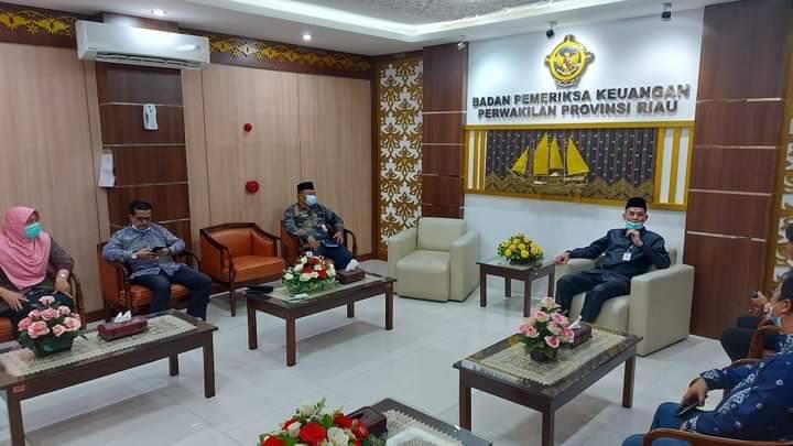 Wako Dumai Serahkan LKPD APBD Dumai 2020 ke BPK RI Perwakilan Riau