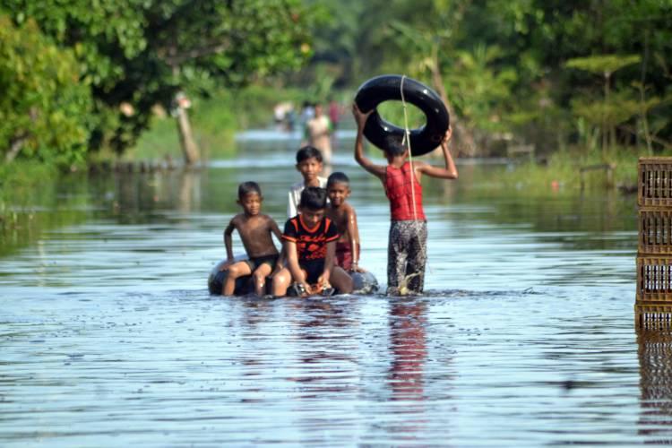 Berharap Tamu Datang Saat Lebaran, Namun Banjir yang Hadir