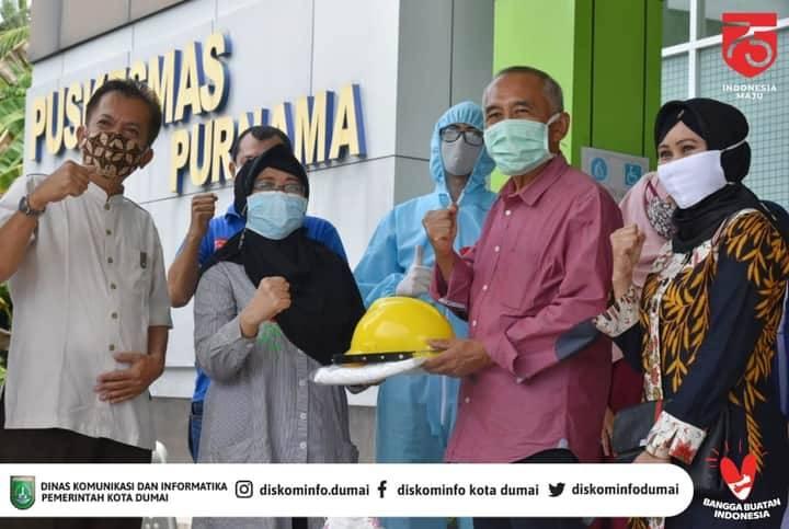 Andi Rachman Serahkan Bantuan Kesehatan di Puskesmas Purnama