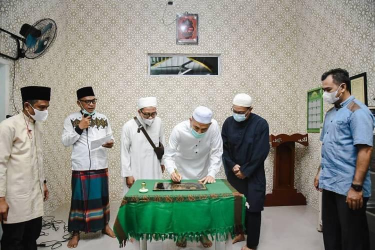 Usai Sholat Isya Berjamaah, Walikota Dumai Resmikan Mushola Al-Mansur Ar-Rahim