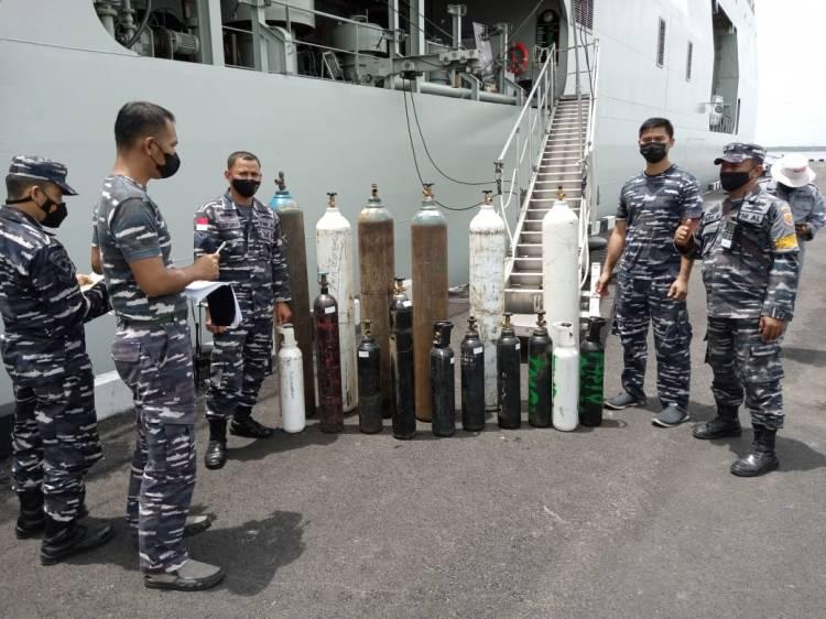 TNI AL: KRI Semarang-594 Telah Mendistribusikan Sebanyak 168.000m³ Oksigen untuk Dumai & Bengkalis