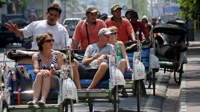 Indonesia Makin Gencar Incar Turis Inggris