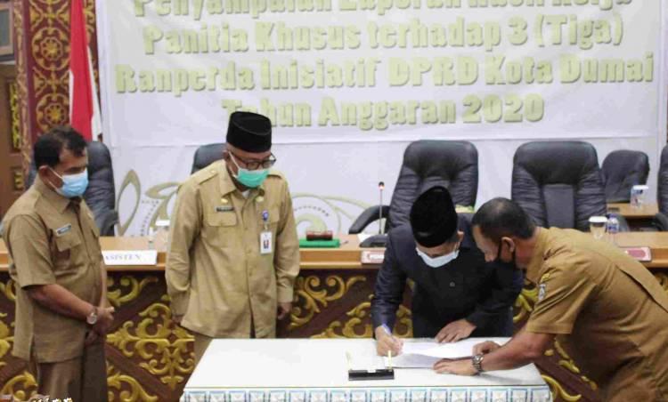 Tiga Raperda Inisiatif DPRD Disepakati Menjadi Perda Kota Dumai 2020