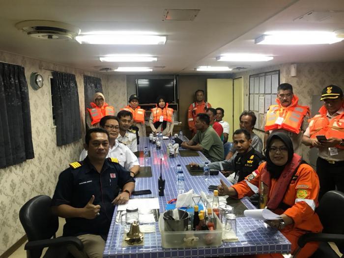 Selama 28 Jam, 4 Warga Dumai Berpelukkan di Atas Gelombang Perairan Bengkalis